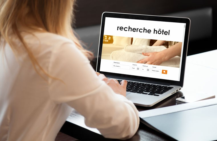 Services hôteliers : les règlementations concernant la réservation en ligne